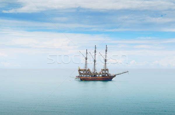 Navegação barco mar céu primavera luz Foto stock © alinamd