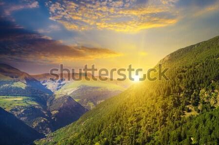 ストックフォト: 美しい · 山 · 風景 · 日の出 · 雲 · 春