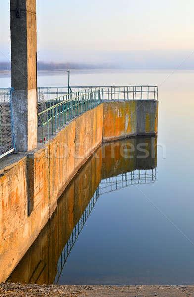 貯水池 川 水 建物 建設 壁 ストックフォト © AlisLuch