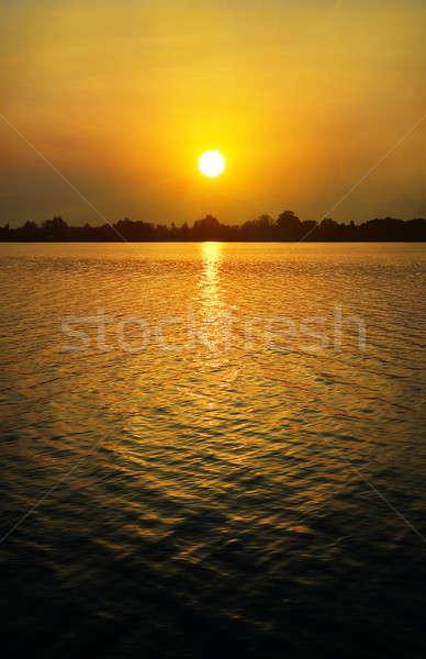 日没 湖 風景 反射 光 表面 ストックフォト © AlisLuch