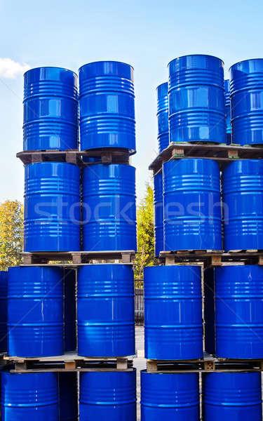 ドラム 化学 生産 ストレージ 廃棄物 業界 ストックフォト © AlisLuch