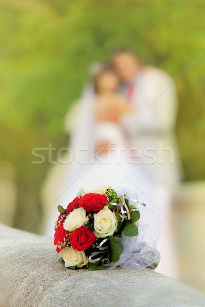 Yumuşak bulanık yeni evliler çiçekler gül Stok fotoğraf © All32