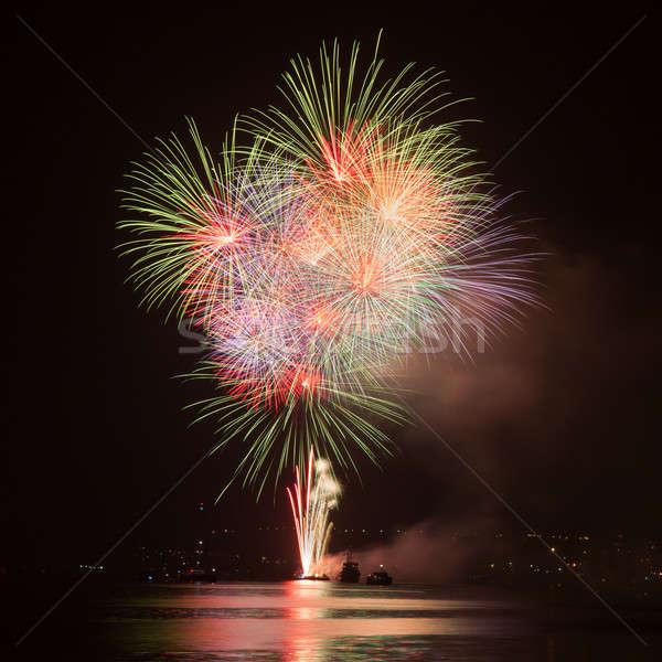 Feux d'artifice ciel de la nuit eau fumée nuit amusement Photo stock © All32