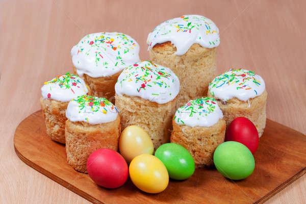Pasen gebak gekleurde eieren gelukkig achtergrond Stockfoto © All32