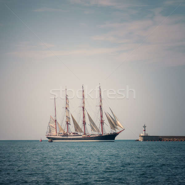 Zeilschip zee blauwe hemel oceaan Blauw schip Stockfoto © All32