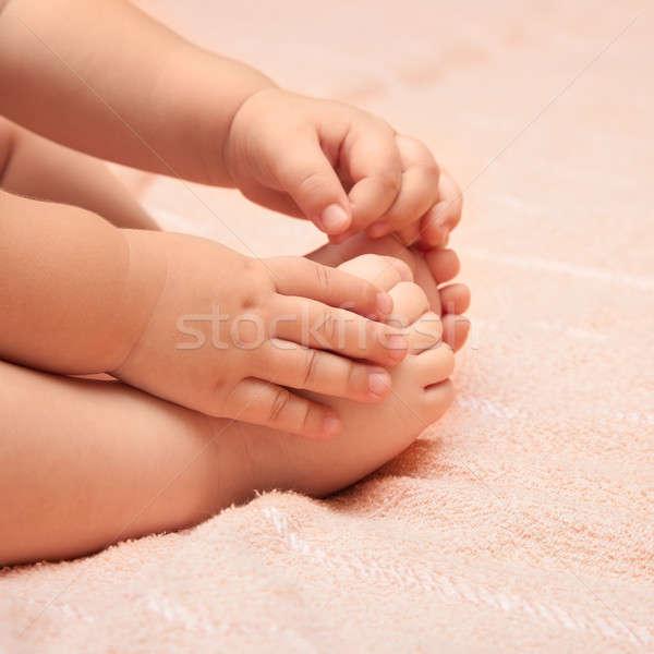 Pernas brasão pequeno criança mão fundo Foto stock © All32
