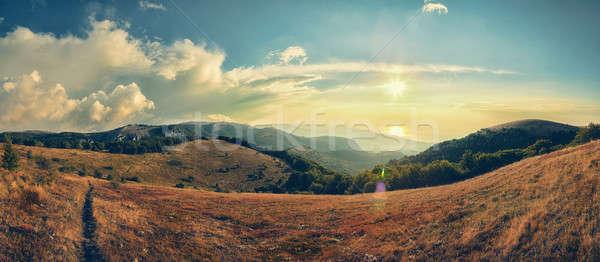 Berge Strahlen Aufgang Sonne Landschaft Himmel Stock foto © All32