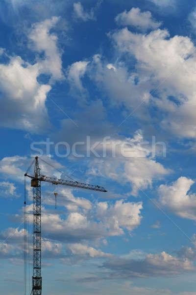 ストックフォト: 建設 · クレーン · 空 · 雲 · 美しい · 青空