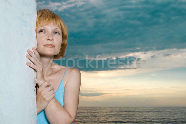 Meisje strand zonsondergang vrouw muur natuur Stockfoto © All32