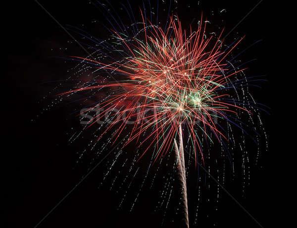 Czerwony fajerwerków nieba kolorowy niebo strony Zdjęcia stock © All32