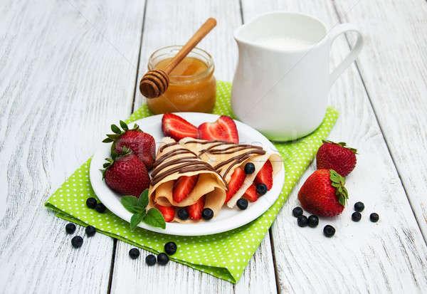 Stock fotó: Eprek · csokoládé · mártás · palacsinták · áfonya · gyümölcs