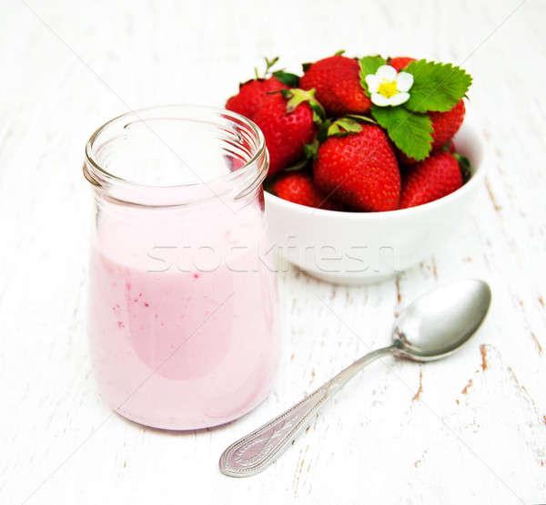 çilek yoğurt taze çilek ahşap doğa Stok fotoğraf © almaje
