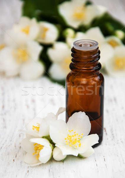 óleo de massagem flores beleza massagem relaxar Foto stock © almaje