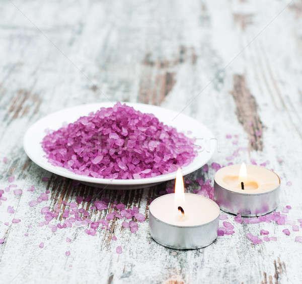 Spa soli świece starych drewniany stół ciało Zdjęcia stock © almaje