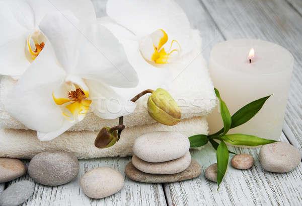 Stock fotó: Fürdő · termékek · fehér · orchideák · öreg · fa · asztal