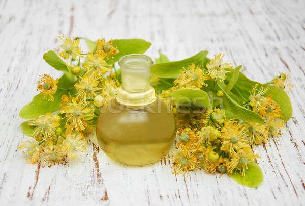 Botella esencial petróleo amarillo cal Foto stock © almaje