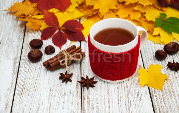 Cup tè vecchio tavolo in legno Foto d'archivio © almaje