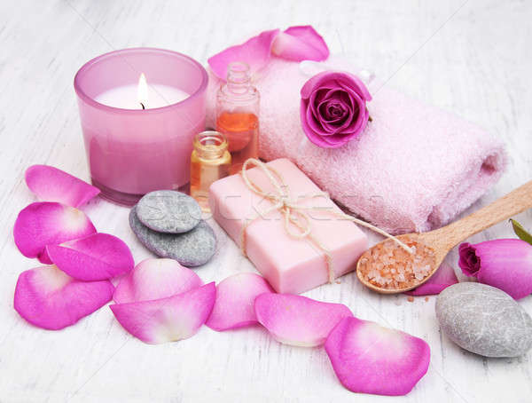 Foto stock: Banho · toalhas · rosa · rosas · velho