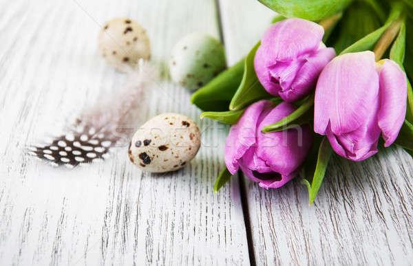 Paskalya yumurtası pembe lale gıda yeşil tüy Stok fotoğraf © almaje