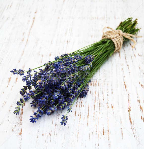 Bos lavendel oude houten bloem bloemen Stockfoto © almaje