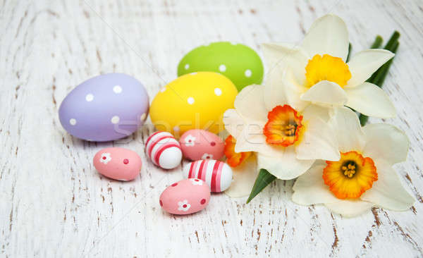Stockfoto: Paaseieren · narcissen · bloemen · oude · houten · Pasen