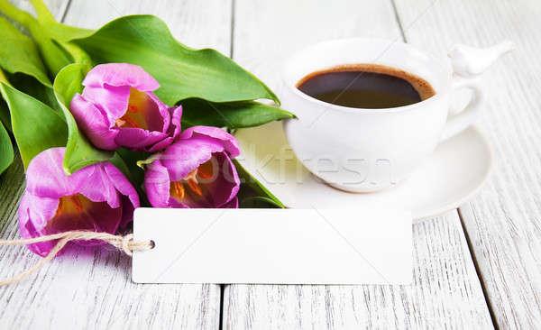 Сток-фото: тюльпаны · букет · чашку · кофе · деревянный · стол · Пасху