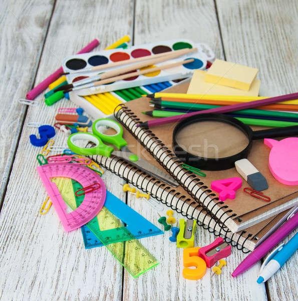 Escolas velho mesa de madeira caneta lápis Foto stock © almaje