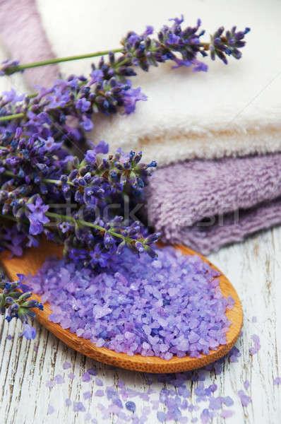 Spa producten lavendel bloemen oude houten Stockfoto © almaje