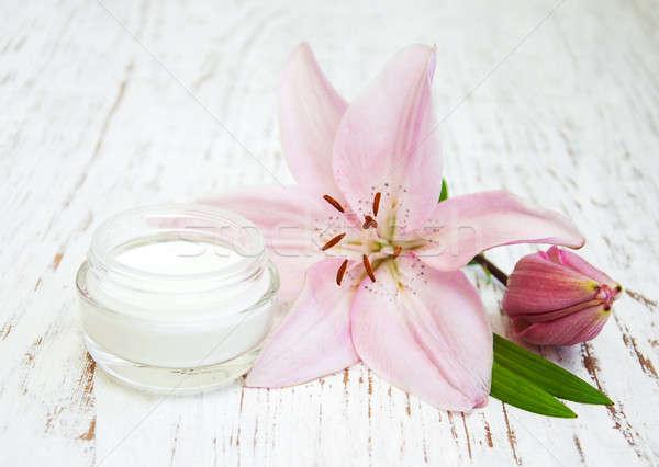 Spa wellness blumen  Gesichtscreme · Lilie · Blumen · Wellness · spa · Szene - stock foto ...