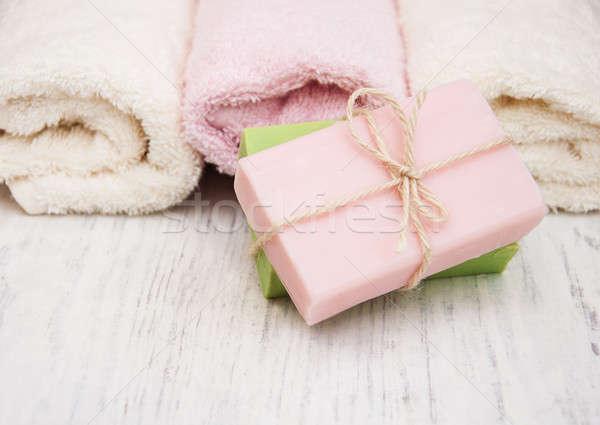 Foto d'archivio: Bagno · asciugamani · sapone · vecchio · legno