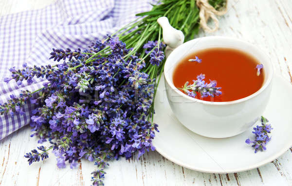 Stockfoto: Beker · thee · lavendel · bloemen · oude · houten