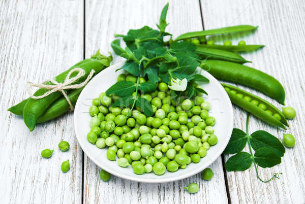 商業照片: 綠色 · 豌豆 · 表 · 鄉村 · 白 · 木