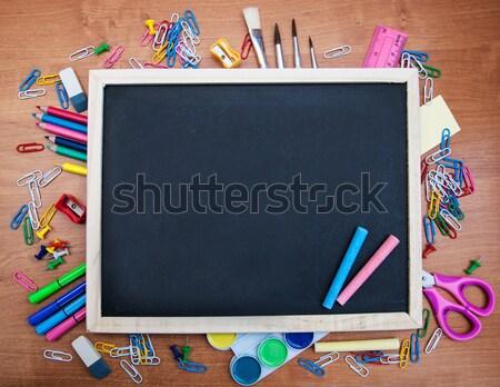 Stockfoto: Schoolbenodigdheden · Blackboard · exemplaar · ruimte · tabel · kantoor · pen