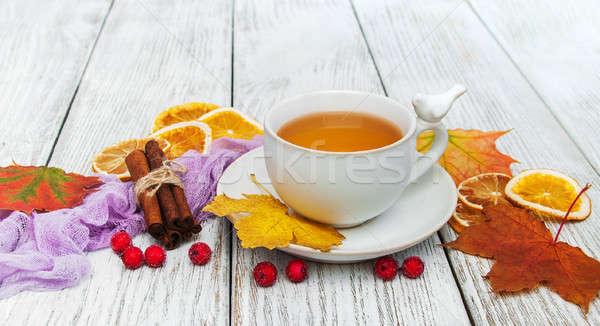 Sıcak çay baharatlar fincan düşen yaprakları Stok fotoğraf © almaje