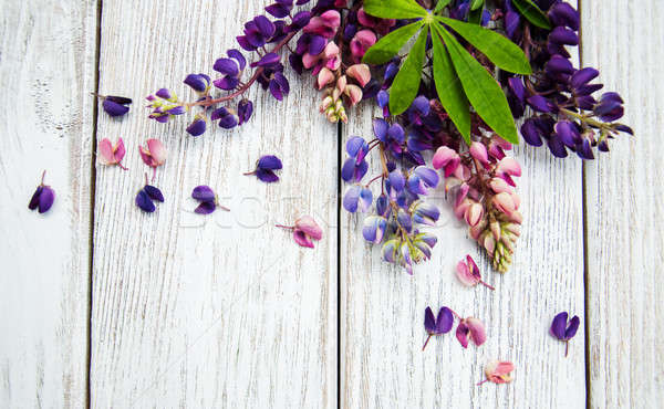 Bloemen tabel oude houten tafel bloem natuur Stockfoto © almaje