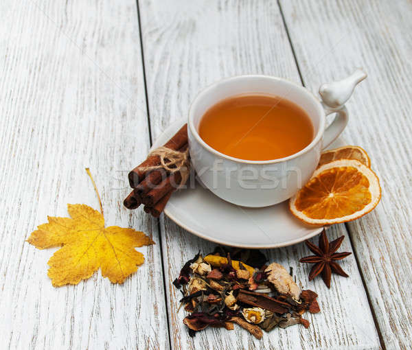 Caldo tè spezie Cup cadere foglie Foto d'archivio © almaje