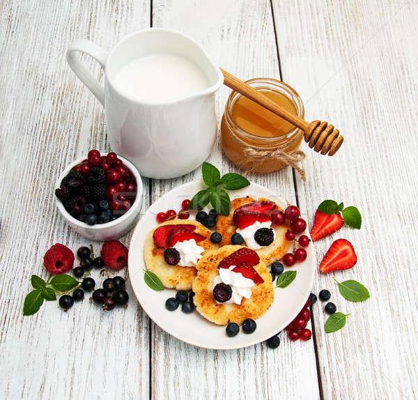 Süzme peynir krep karpuzu ahşap masa gıda mutfak Stok fotoğraf © almaje