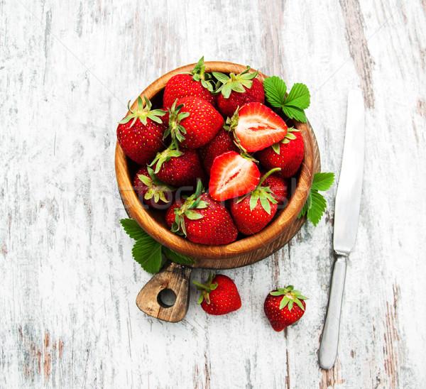 Tál friss eprek fa asztal fa gyümölcs Stock fotó © almaje