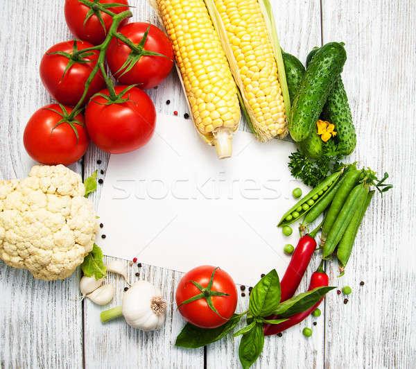Légumes frais cadre vieux table en bois alimentaire santé Photo stock © almaje