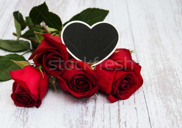 Rosas vermelhas coração velho casamento amor Foto stock © almaje