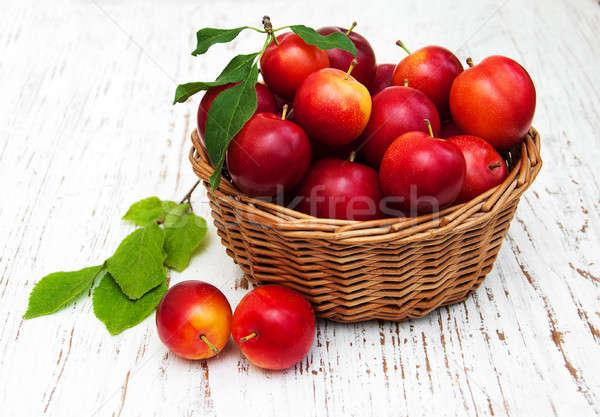 Zoete pruimen oude houten voedsel natuur Stockfoto © almaje