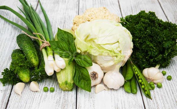 綠色 蔬菜 老 木 性質 廚房 商業照片 © almaje