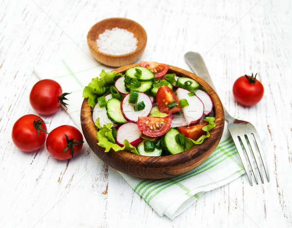 Stockfoto: Voorjaar · salade · tomaat · komkommers · radijs · houten