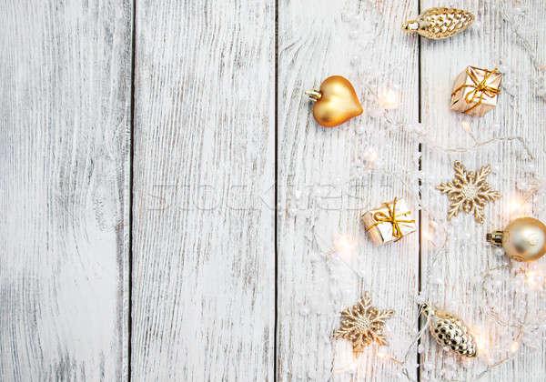 Karácsony girland fények fából készült rusztikus fa Stock fotó © almaje