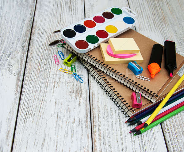 Okul eski ahşap masa kalem kalem Stok fotoğraf © almaje