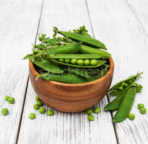 綠色 豌豆 表 鄉村 白 木 商業照片 © almaje