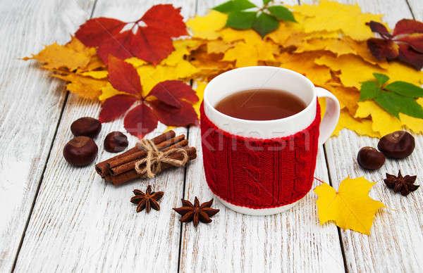 Copo chá velho mesa de madeira Foto stock © almaje