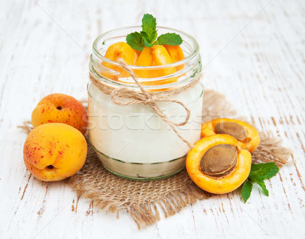 Dulce yogurt frescos frutas vidrio salud Foto stock © almaje