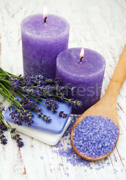 Lavendel zeezout kaars houten lichaam licht Stockfoto © almaje
