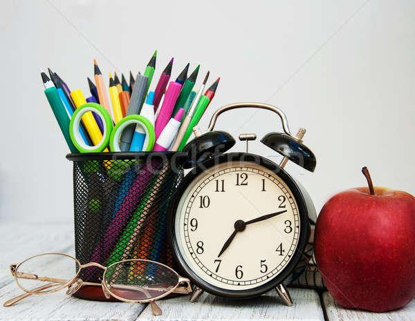 Stok fotoğraf: Okul · ahşap · masa · kitap · saat · elma
